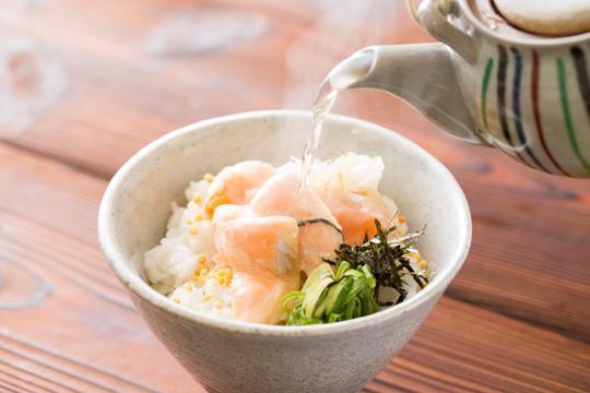 桜鱒炙り出汁飯